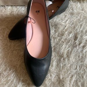 NEW w/Tags! H&M Black Pointed Flats Size 9.5